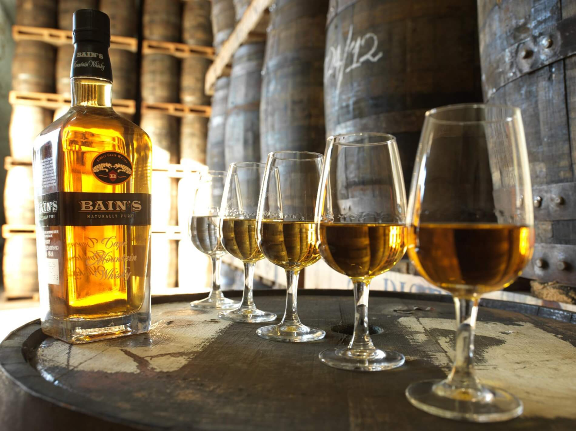 Bain's Cape Mountain Whisky 02.jpg (NXPowerLite)